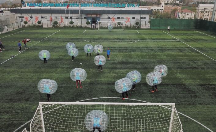 Gençlik Oyunlarında Balon Futbol Heyecanı