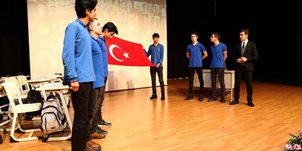 Başakşehirli Öğrenciler 15 Temmuz'u Unutmuyor