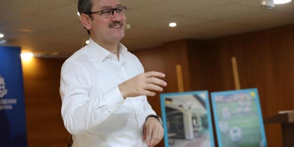 Başkan Kartoğlu'ndan Dev Kütüphane Müjdesi
