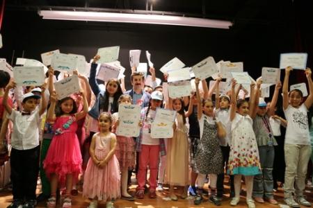 Bilgievi öğrencileri sertifikalarını aldı