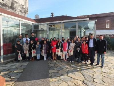 Bilgievi resim kulübü öğrencileri ödüllerini aldı