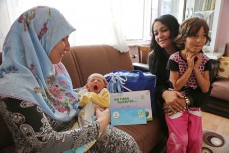 Hoş geldin bebek ziyaretleri devam ediyor