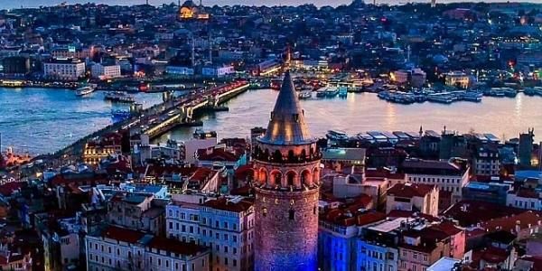 İstanbul'a Temmuz Ayında 301 Bin Turist Geldi