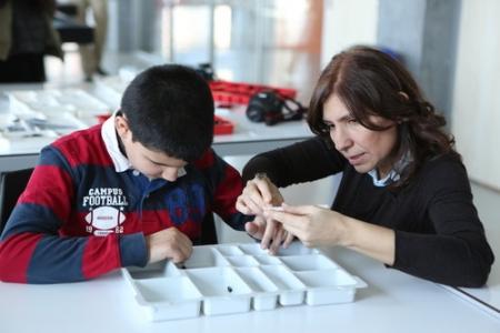 Living Lab'dan ilk, görme engellilere lego eğitimi