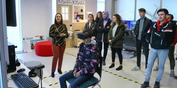 Öğrenciler Başakşehir Belediyesi'ni tanıyor