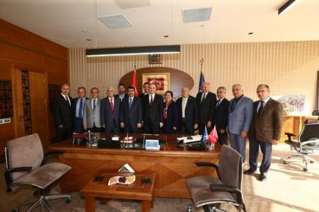 Sanayi Bakanı Özlü, Başakşehir'deydi