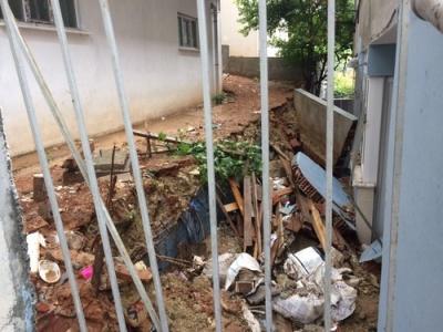 Sel mağdurlarının evleri tamir ediliyor