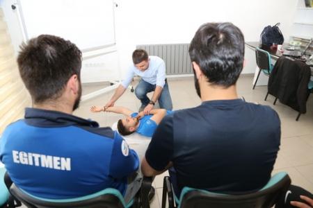 Spor Parkı antrenörlerine 'ilk yardım' eğitimi