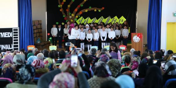 Türk ve Suriyeli öğrenciler birlikte karne aldı