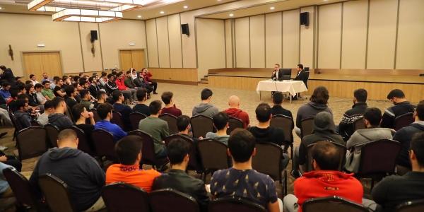 Yasin Kartoğlu Üniversiteli Gençlerle Buluştu