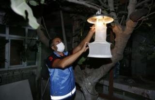 Başakşehir'de Sivrisineklere Işıklı Tuzak
