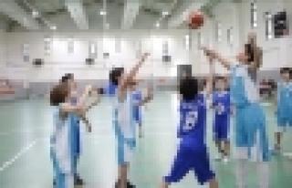 Başakşehir'de Miniklerin Turnuvası Başladı