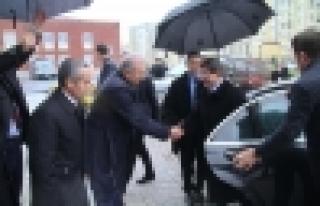Başbakan'dan Başkan Uysal'a anlamlı ziyaret