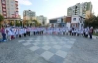 Bilgievi öğrencileri 15 Temmuz'u duvarlara çizdi