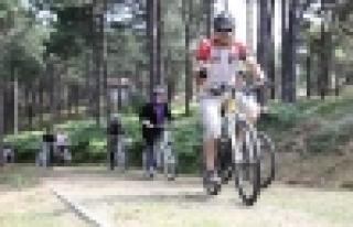 Bisiklet tutkunları yeniden bir arada