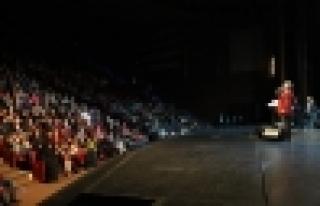 Cengiz Kurtoğlu'ndan nostaljik bir konser