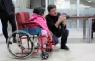 Engelliler Kendilerini Anlatmak İçin Deklanşöre...