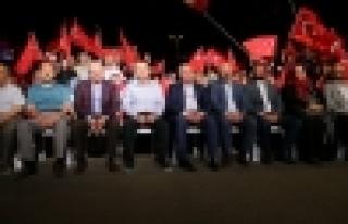 Kadir Topbaş'ın demokrasi nöbet ziyareti
