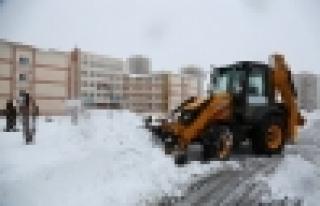 Okullara kar temizliği