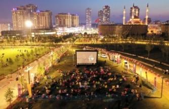 Başakşehir'de Açık Havada Sinema Keyfi Başladı