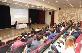 Başakşehir Belediyesi, Erasmus+ Progamı Kapsamında Türkiye'ye Gelen Avrupalı Gençlere Sosyal Medya, Gençlik Ve Teknoloji Eğitimi Verdi.