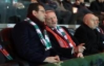 Başkan İmamoğlu, Başakşehir Maçını Tribünden İzledi