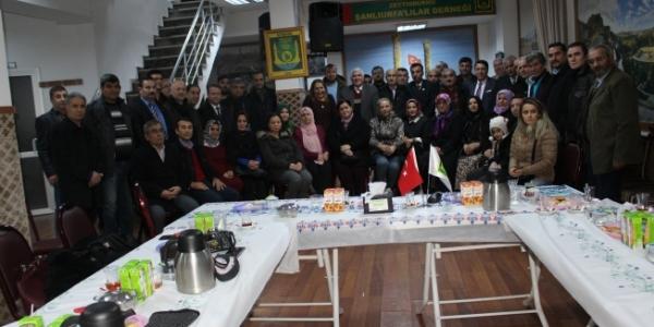"""""""İşte Zeytinburnu"""" Belgeselinin gösterimi Şanlıurfa Derneğinde Yapıldı"""