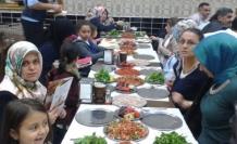 Ak Parti Kayaşehir mahalle yönetiminden anlamlı dayanışma