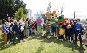 Başakşehir'de Fidanlar Çocuklar Birlikte Büyüyor