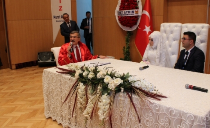 Samet ve Ayşenur 'un Nikahını başkan kıydı